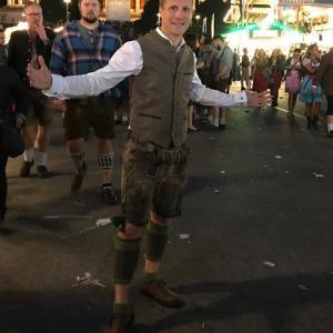 Oliver Pocher besucht Trachten Angermaier